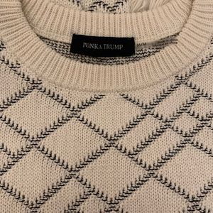 Ivanka Trump white and black fringed sweater M